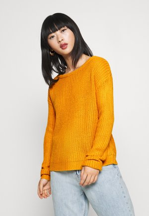 OPHELITA OFF SHOULDER - Jumper - mustard