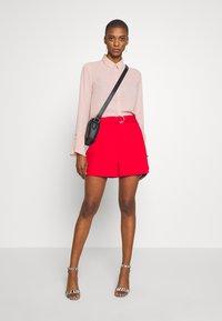 NAF NAF - ELIPSTICK - Shorts - lipstick - 1