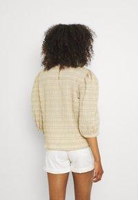 b.young - BXHALNA BLOUSE - Print T-shirt - white pepper - 2