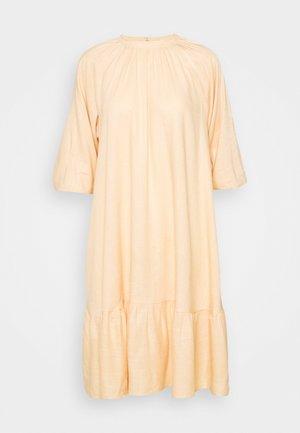 YASIRINAS MIDI DRESS - Day dress - peach quartz