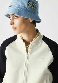Lacoste - Zip-up sweatshirt - blanc/bleu marine - 2