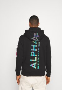 Alpha Industries - BACK PRINT HOODY RAINBOW PRINT - Mikina - black - 2