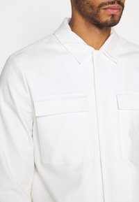 Topman - SMART SHACKET - Summer jacket - white - 5