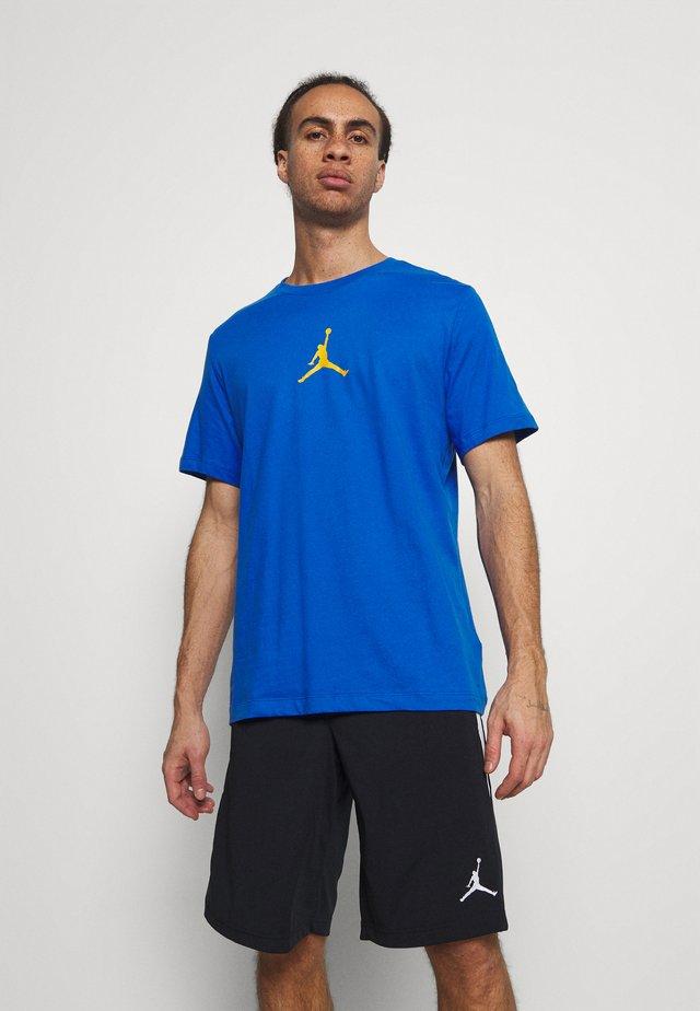 T-shirt print - signal blue/university gold