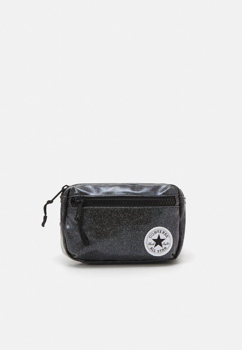 Converse - GLITTER WAIST PACK UNISEX - Taška spříčným popruhem - black