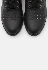 XTI - Kovbojské/motorkářské boty - black - 5