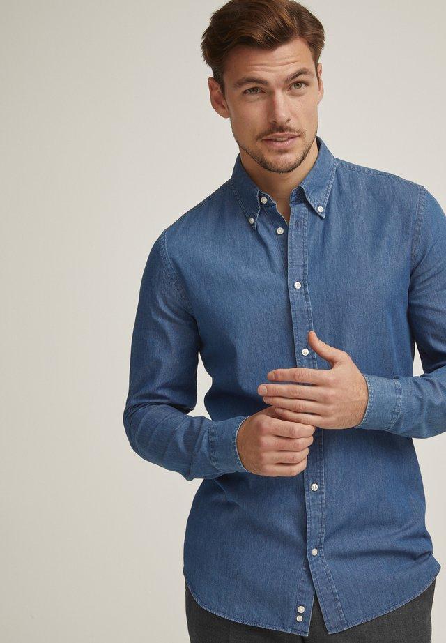 MILTON  - Skjorter - denim blue
