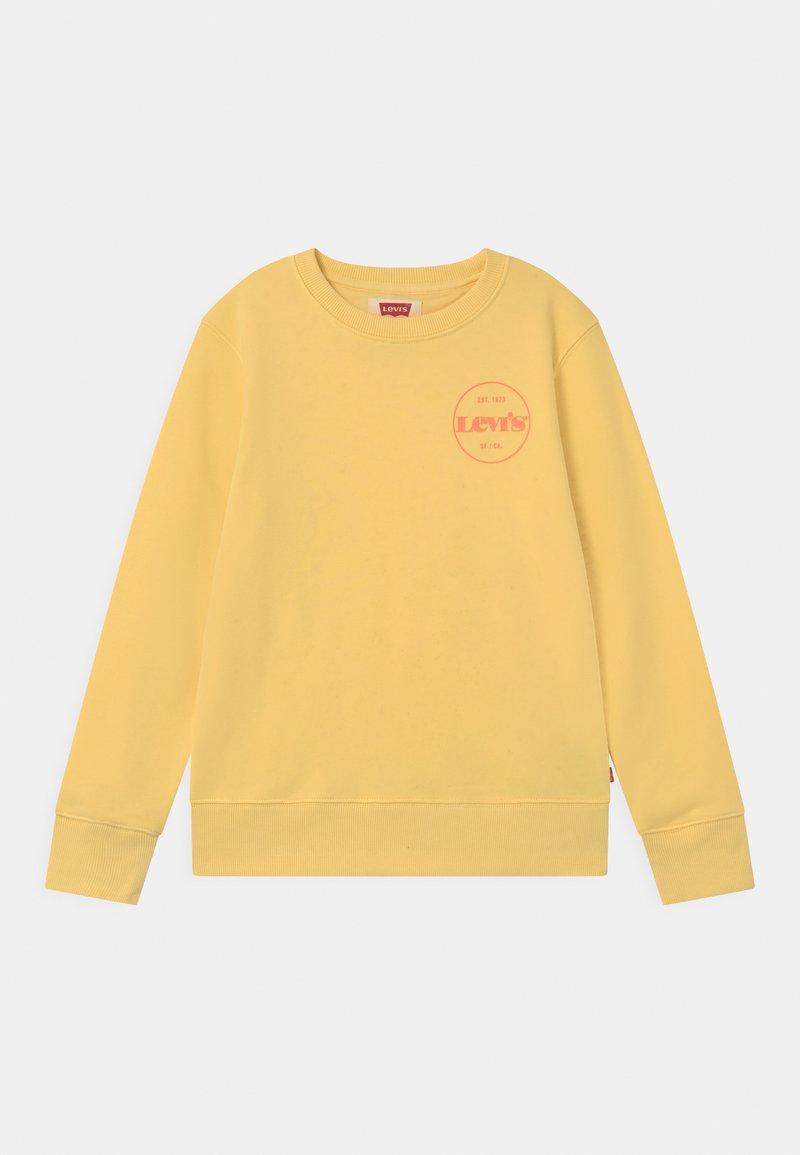 Levi's® - CREWNECK  - Sweatshirts - golden haze