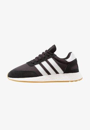 I-5923 - Joggesko - core black/footwear white