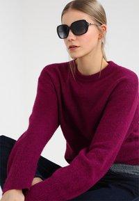 Michael Kors - CARMEL - Sunglasses - black - 1
