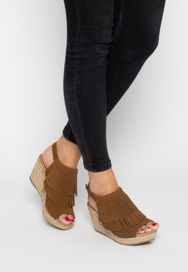 ASHLEY  - Sandalen met hoge hak - cinnamon