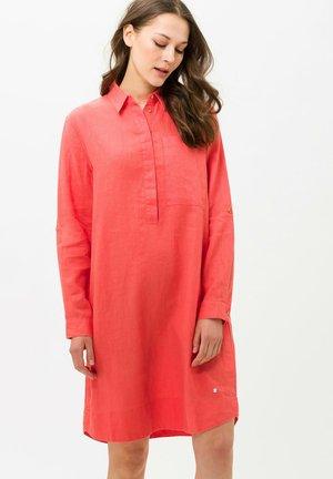 STYLE GILLIAN - Shirt dress - orange