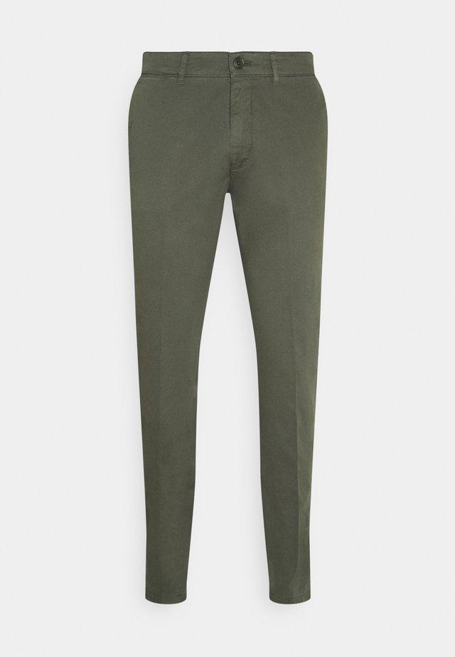 MAD - Kalhoty - mottled olive