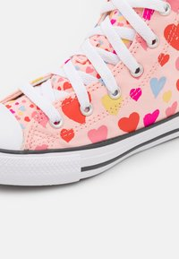 Converse - CHUCK TAYLOR ALL STAR HEARTS  - High-top trainers - storm pink/natural ivory/white - 5