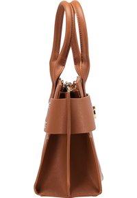 usha - Handbag - cognac - 2