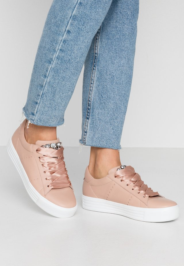 UP - Sneakersy niskie - nude