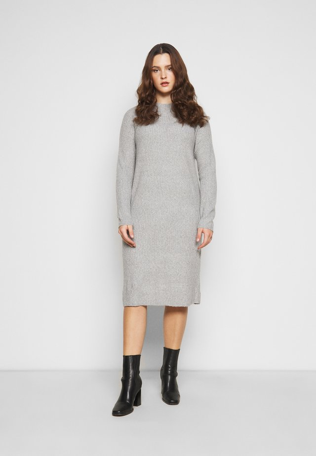 PCDISA MOCK NECK DRESS CURVE - Gebreide jurk - light grey melange