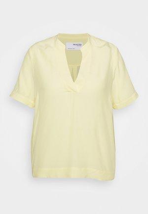 SLFALLA CURVE - Blouse - pastel yellow