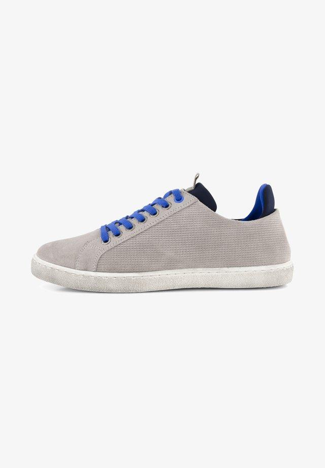 Sportieve veterschoenen - grey