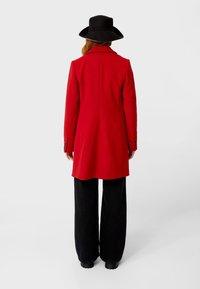 Stradivarius - Zimní kabát - red - 2