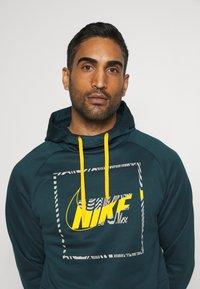 Nike Performance - Sweat à capuche - deep ocean/dark sulfur - 3
