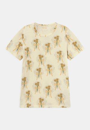 WINTERFLOWERS TEE UNISEX - Print T-shirt - yellow