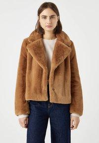 PULL&BEAR - Winter jacket - brown - 0