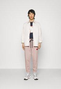 HUGO - DOAK - Teplákové kalhoty - pink - 1