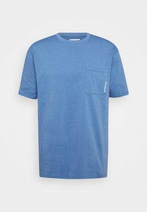 BOXY STENS TEE - Basic T-shirt - dust blue