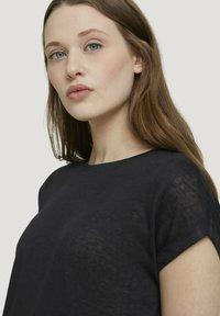 TOM TAILOR DENIM - Basic T-shirt - deep black - 3