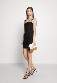 Hervé Léger - CONVERTIBLE STRAP ICON - Shift dress - black - 1