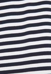 esmé studios - FIONA O NECK - Print T-shirt - dark sapphire - 2