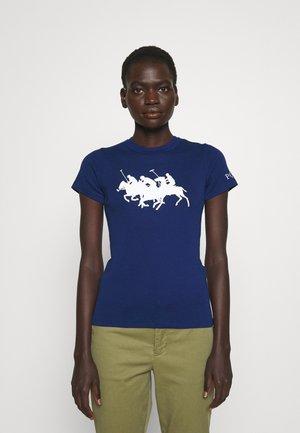 TEE SHORT SLEEVE - T-shirt z nadrukiem - fall royal