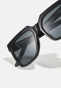 Urban Classics - SUNGLASSES PRAY UNISEX - Sunglasses - black - 3