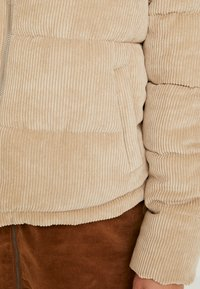 ONLY - ONLCOLE PADDED JACKET - Winter jacket - beige - 5