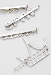 ALDO - ALDO x DISNEY PRINCESS - Příslušenství kvlasovému stylingu - silver-coloured - 3