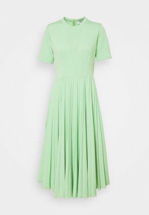CLOSET PLEATED COLLARED DRESS - Jerseyjurk - mint