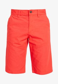 s.Oliver - RELAXED - Shorts - hyper red - 4