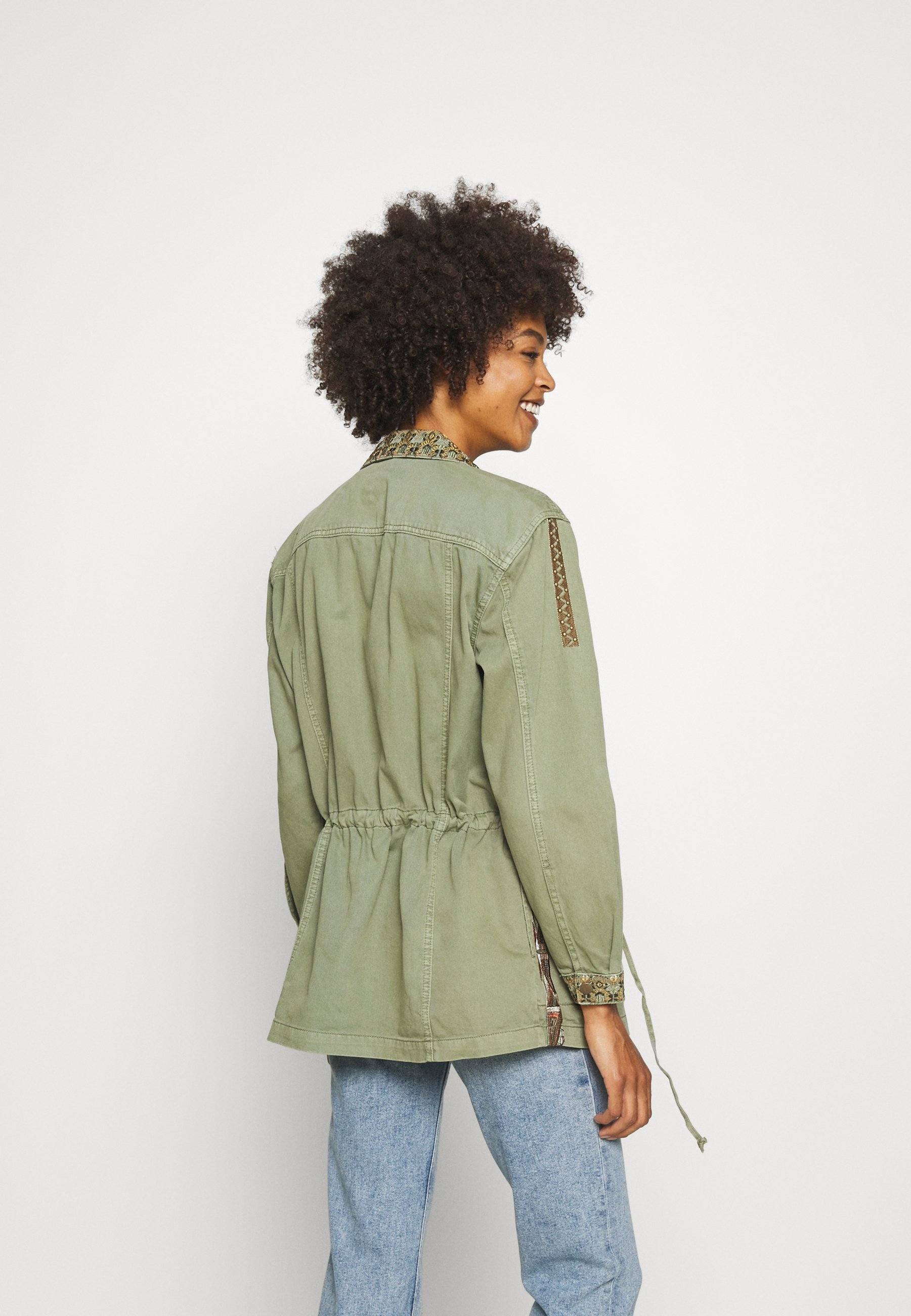 Cream JOSEFINE JACKET Leichte Jacke oil green/khaki