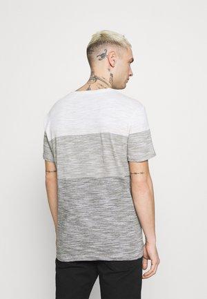 TEE - T-shirt basic - egret