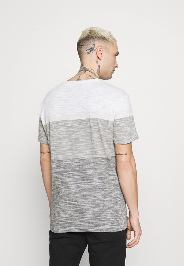 TEE - Jednoduché triko - egret