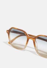 Ray-Ban - UNISEX - Sunglasses - gradient light brown/havana - 4