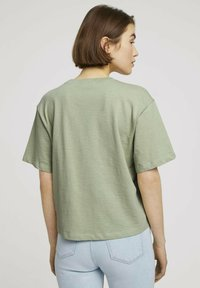 TOM TAILOR DENIM - Basic T-shirt - light dusty green - 2