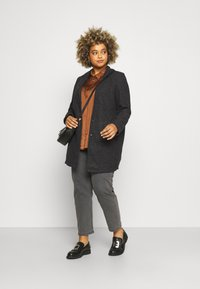Vero Moda Curve - VMBRUSHEDKATRINE - Light jacket - dark grey melange - 1