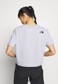 The North Face - CROPPED SIMPLE DOME TEE - Print T-shirt - light grey heather - 2