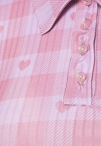 NEW girl ORDER - HEART GINGHAM - Print T-shirt - purple - 2
