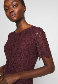 HUGO - KLEAS - Pouzdrové šaty - medium red - 3