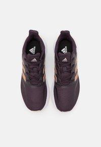 adidas Performance - RUNFALCON UNISEX - Juoksukenkä/neutraalit - noble purple/copper metallic/pink tint - 3