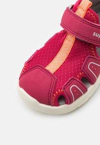 Superfit - WAVE - Sandals - rot/orange - 5
