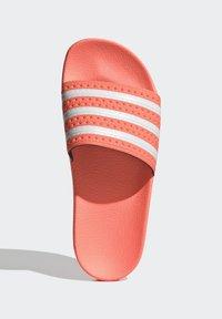 adidas Originals - ADILETTE  - Muiltjes - seflor/ftwwht/seflor - 2